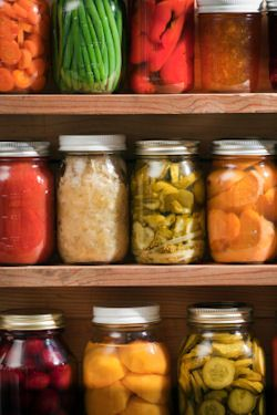 LOTS of canning recipes AND free printable labels :)