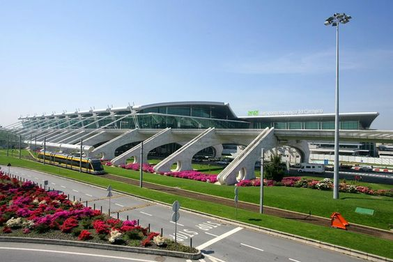 Porto Airport 3th Best choise 2014 in Europe