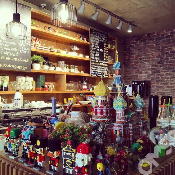 """458 curtidas, 29 comentários - OMSP - @omelhordesampa (@omelhordesampa) no Instagram: """"O Café Turismo Together é um misto de Café Coreano e agência de viagens, que faz você se sentir na…"""""""