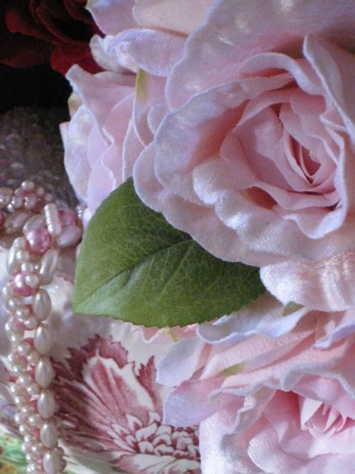 Beautiful Roses and pearls