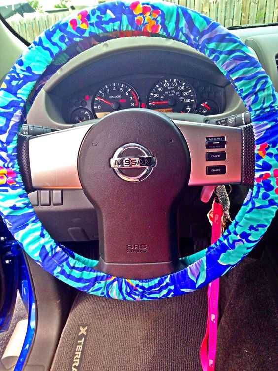 love my lilly pulitzer steering wheel cover my crazy preppy life pinterest steering. Black Bedroom Furniture Sets. Home Design Ideas