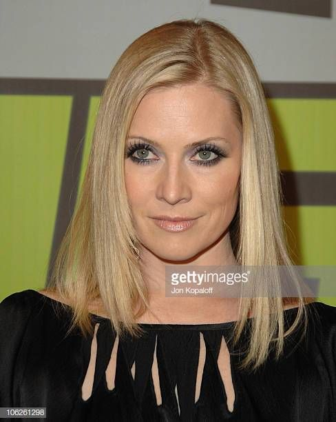 Emily procter poses nude