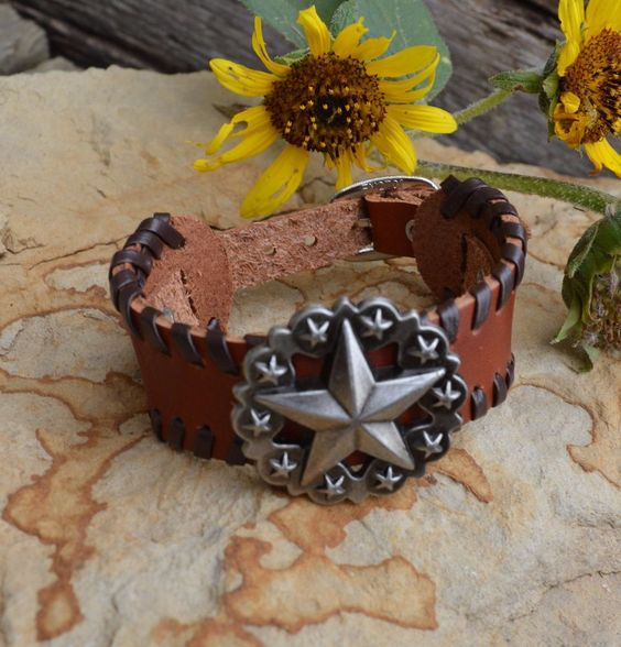 Cowgirl Bling Western LEATHER Bracelet LONE STAR TEXAS sTAR Brown buckle style…