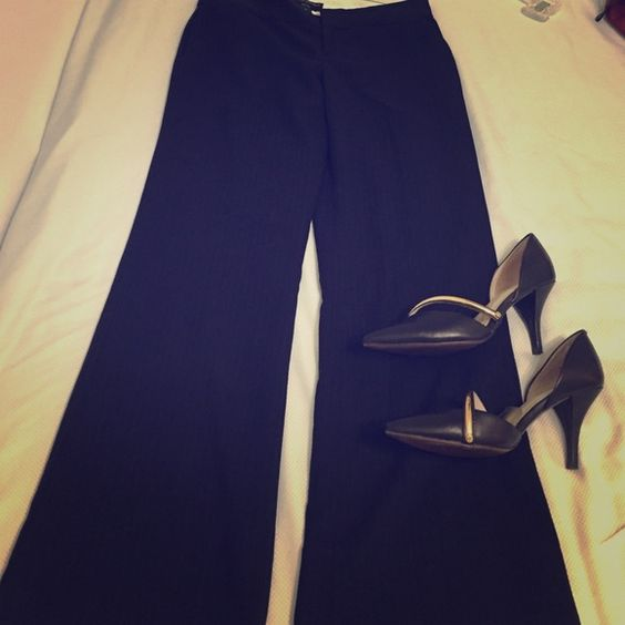 "Banana republic navy blue stripe pants Almost like new but no tags . Lined work pants from Banana republic with a wide leg about  -10"" at bottom as seen in the pic . Only selling as they don't fit me any more . Have side and back pockets . Banana Republic Pants Trousers"