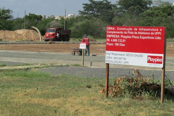 Após recesso de fim do ano, obrasda pista de atletismo são retomadas +http://brml.co/1zA5LZP