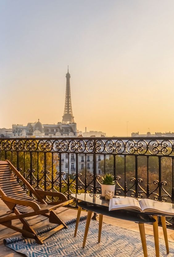 Imagine your sitting pretty watching the sunset over Paris...Yes you can! Check out this list of affordable Paris hotel with views of Eiffel Tower. From budget to luxe  #parisian #france #views #balcony #coffee #France