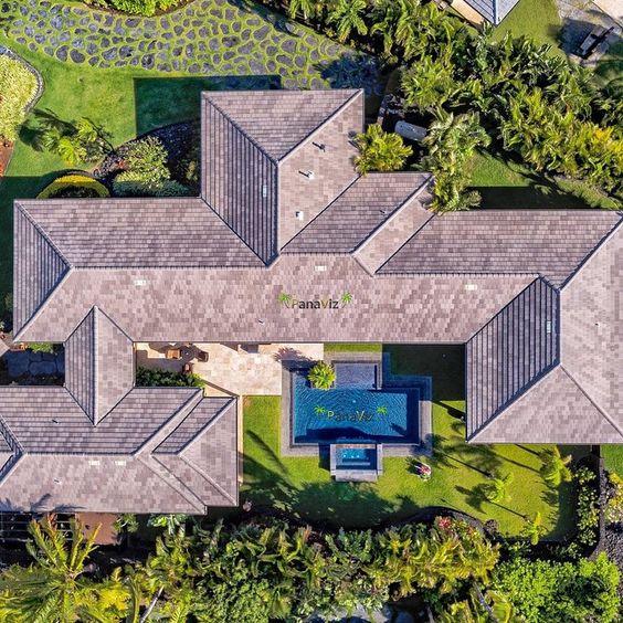 """A mansion in Hawaii.  Maunalani Resort.  Photo by @PanaViz #resortphotography"