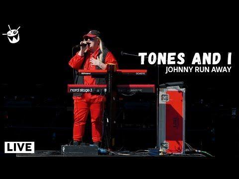 Tones And I Johnny Run Away Splendour In The Grass 2019 Youtube Splendour In The Grass Johnny Running Away