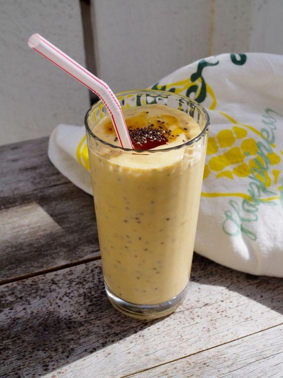 Easy Banana and Chia Seed Smoothie via Oh Wonderful!