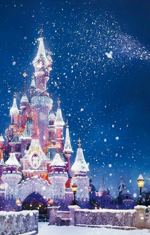 Christmas Disney Discovered By Caroluna On We Heart It In