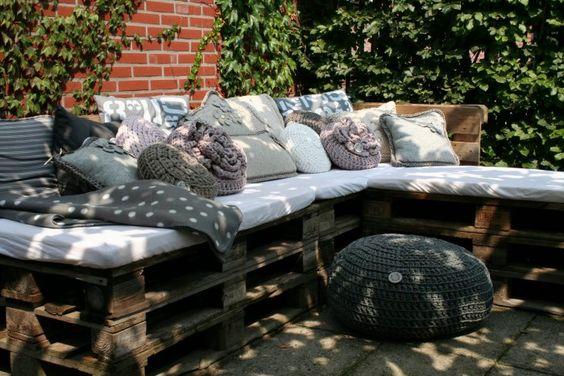 klasse europaletten sitzecke f r den garten garten pinterest suche und fotos. Black Bedroom Furniture Sets. Home Design Ideas