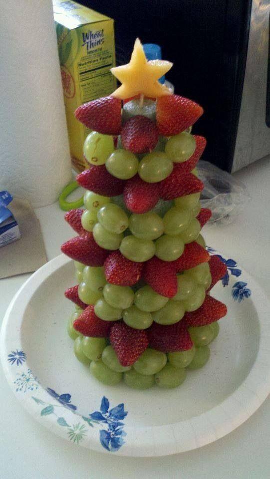Fruit kerstboom van komkommer
