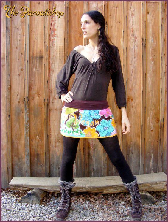 Mini skirt jupe Vegan hippie boheme bohemian gypsy upcycled ecofriendly de la boutique theparvatishop sur Etsy