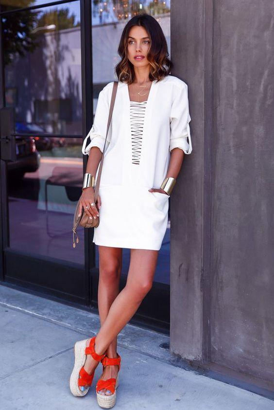 Confira formas de usar as sandálias flatform, que estarão em alta no verão!: