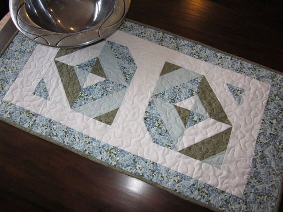 Hydrangea Table Runner by thePATchworksshop on Etsy
