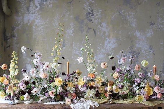 set up aranjament flori masa de prezidiu inspiratie nunta aranajamente florale