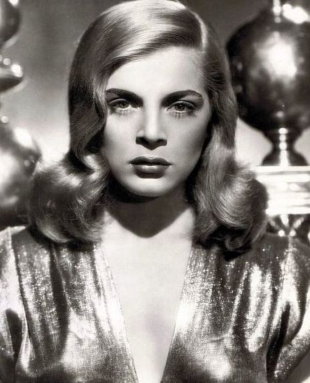 "RIP Lizabeth Scott, the sultry blonde who epitomised cinematic ""bad girls"" in film noir http://www.cinemaretro.com/index.php?/archives/8472-LIZABETH-SCOTT,-FILM-NOIR-STAR,-DEAD-AT-AGE-92.html"