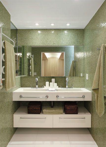 Banheiro projetado pela arquiteta Paloma Yamagata