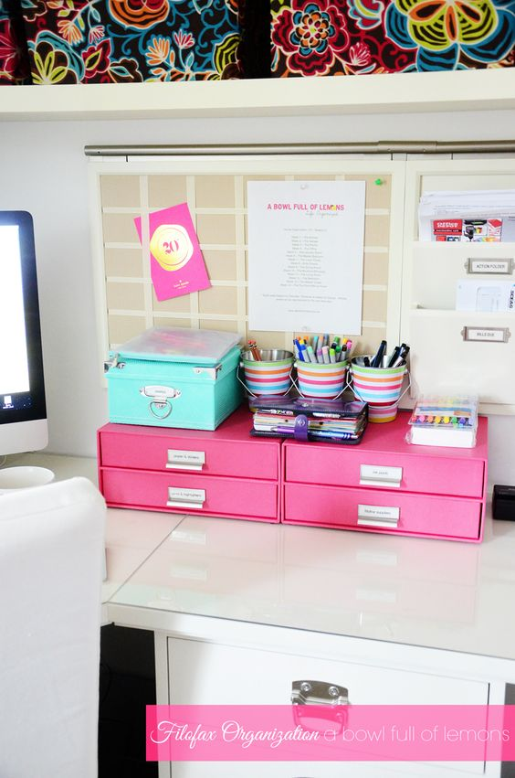 Planner and Organization from A Bowl Full of Lemons #planner #filofax #organization