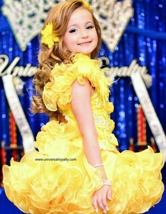Beauty is inside and out at Universal Royalty® Beauty Pageant. universalroyalty.com #universalroyalty #toddlersandtiaras #glitzpageants #beautypageants #pageants #pageant