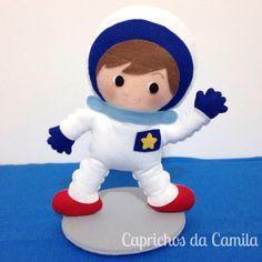 Decoração mesa de aniversário astronauta em feltro