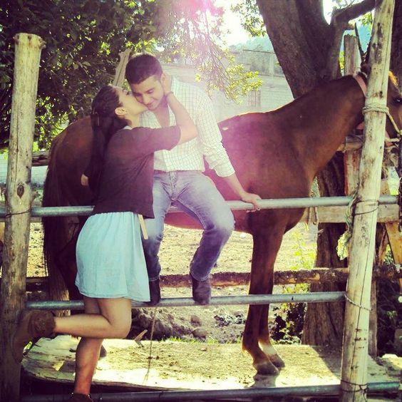 beso vaquero | lindas y vaqueras | Pinterest