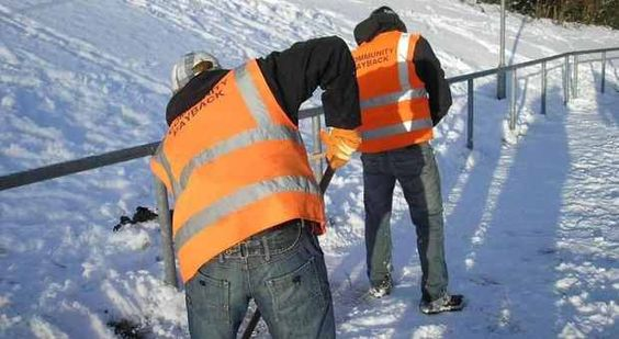 Young offenders drafted in for snow clearance in Huddersfield - Tell us what you think    Read more: Examiner http://www.examiner.co.uk/news/local-west-yorkshire-news/2013/02/02/young-offenders-drafted-in-for-snow-clearance-in-huddersfield-tell-us-what-you-think-86081-32729473/#ixzz2JmOxqf15