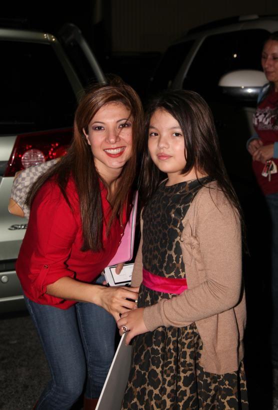 Sara Priscila Es La Hija Mayor De Priscila Camacho Y Gustavo ángel Vocalista De Los Temerarios Temerario Famosos Mama Fotos