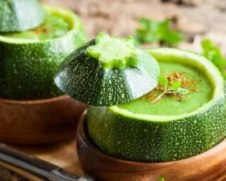 soupe verte minceur en bol de courgette recipe soups cubes and zucchini. Black Bedroom Furniture Sets. Home Design Ideas