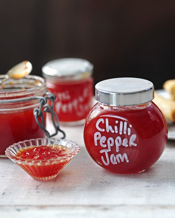 Sweet and spicy chilli pepper jam is great  on cheese and crackers or with burgers. A nicely presented jar makes lovely Christmas presents.