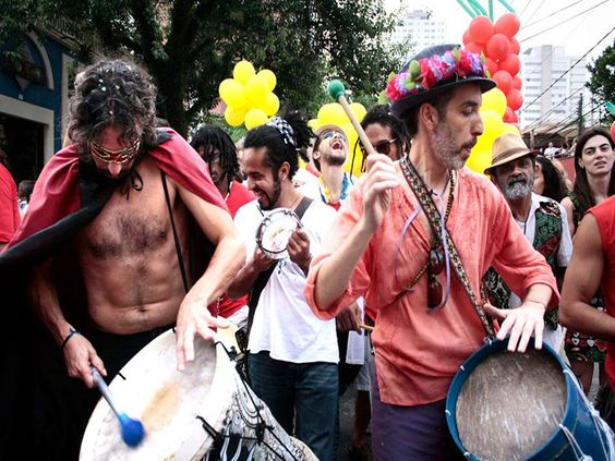 O bloco Pimentas do Reinofará uma homenagem ao cartunista Glauco Villas Boas em seu desfile de 2014. O ensaio para o Carnaval acontece na Rua Inácio Pereira da Rocha, na Vila Madalena, dia 8 de fevereiro, das 14h às 22h. A entrada é Catraca Livre.