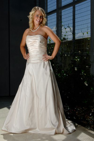 Simple taffeta rouched gown ... lightweight A line gown with crystal detailing on bodice ... size 16 Ivory