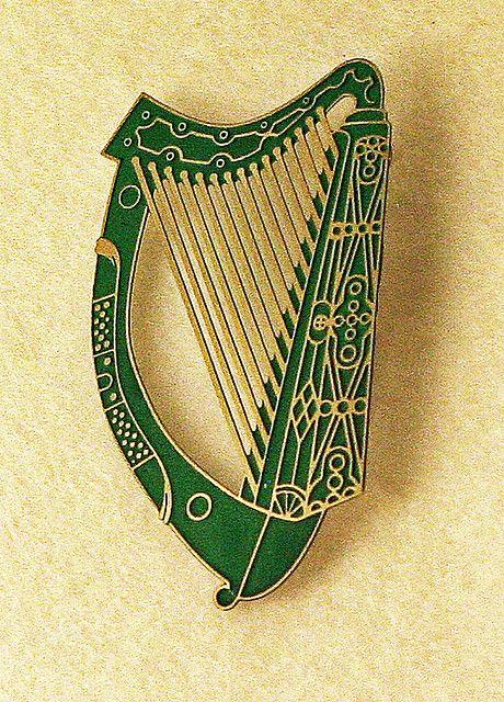 Celtic harp brooch: