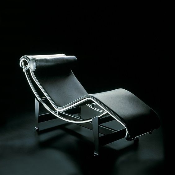 Cassina lc4 chaise longue le corbusier p r o d u c t for Chaise longue pony lc4 le corbusier