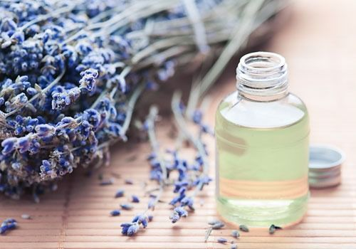 Lavender Oil for Bug Bites                                                         More and more people are using lavender oil as an antiseptic, and its healing powers seem to be getting stronger with more research. A small dab of lavender oil on that nasty mosquito bite will stop the itch. Unlike many other home remedies, this one will even leave you with a pleasant scent.