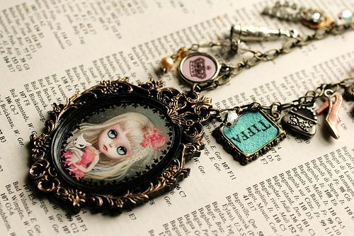 Clauette - Darling Diva - custom Blythe cameo by Mab Graves | Flickr - Photo Sharing!