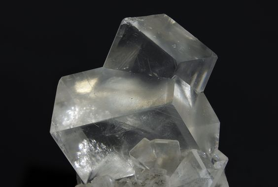 Dolomite, CaMg(CO3)2, Azkarate quarry, Eugui, Navarra, Spain. Fov 38,15mm.  Photo: Oscar Fernández Arcís, Mineral: Manuel de Torres