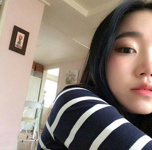 Image via We Heart It #fashion #girl #korean #minimal #style #beautiful #areum.log