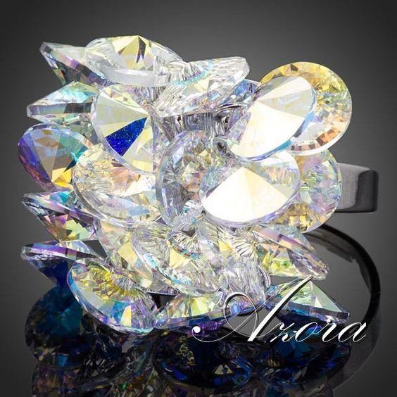 Fascinante anillo diseño de flor ajustable Anillo hermoso y fascinante con diseño de flor, ajustable, chapado en rodio, adornado con cristal austriaco color degradado.