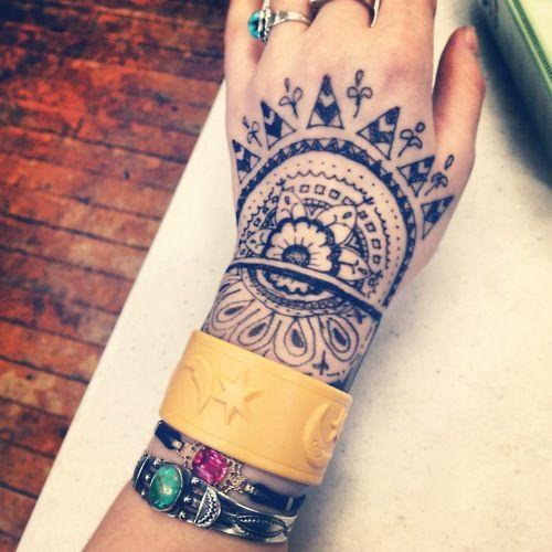 artistic bohemian body art tattoo henna design arm turqoise jewelry bohemian awesome ink. Black Bedroom Furniture Sets. Home Design Ideas
