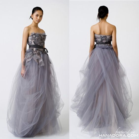 Vera wang wedding dress in grey loveeee how different and for Vera wang gray wedding dress
