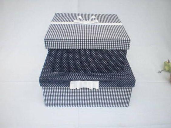 Duo de caixas  Maior 30x20x10 Menor 25x18x10 Aplicação em tecido estampado em algodão,poá, listras, xadrez  *Estampas sujeitas a disponibilidade R$ 130,00