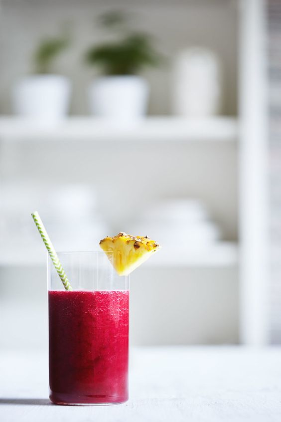 Beet & Pineapple Juice // Natural Girl Modern World // Vegan & Gluten Free: