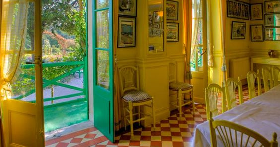 The yellow interior beautifully complimented the surrounding Monet Japanese Prints