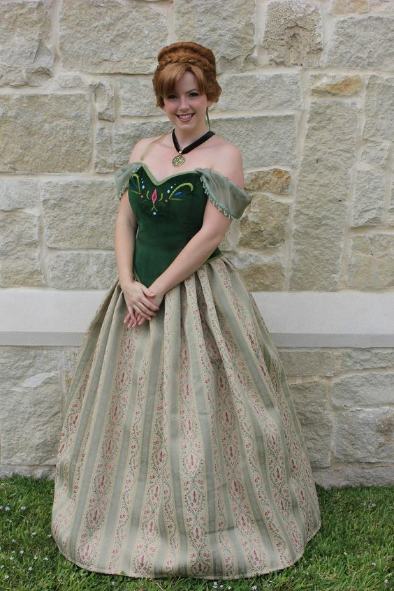 Frozen\u0027s Anna the fab from joanns again, but this time the sleeves - green dress halloween costume ideas