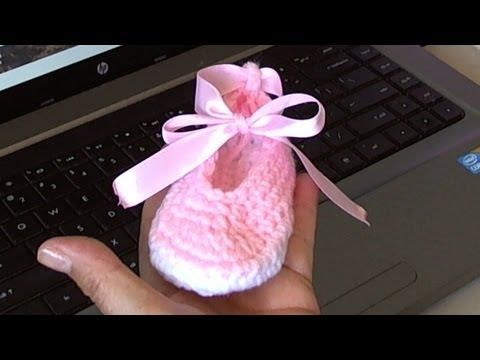Tutorial Crochet Baby Ballet Booties : Crochet baby, Ballet and Helpful hints on Pinterest