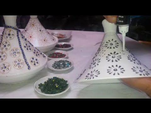 الرسم على الطاجين بمحدد صباغة الزجاج بطريقة التنقيط وتزينيه بالاسطراس س رقم 2 Youtube Food Desserts Pudding