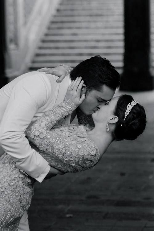 """One of my all-time favourite moments on Gossip Girl. Chuck and Blair, one of my favourite TV couples, finally said their """"I do's."""" <3"""