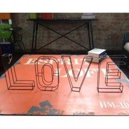 Escultura Love Iron