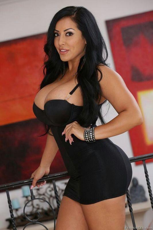 Big Breasted Latin Women 69